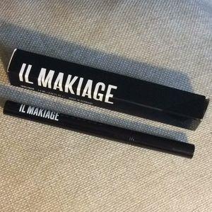 Il Makiage black liquid eyeliner